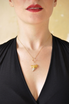 Electro Lariat Shark Tooth