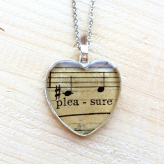 Heart's Pleasure Music Necklace