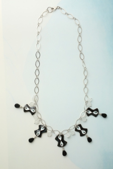 Infinity Necklace / Main Image