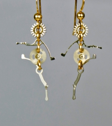 Clockwork Highstepper Earrings / Main Image