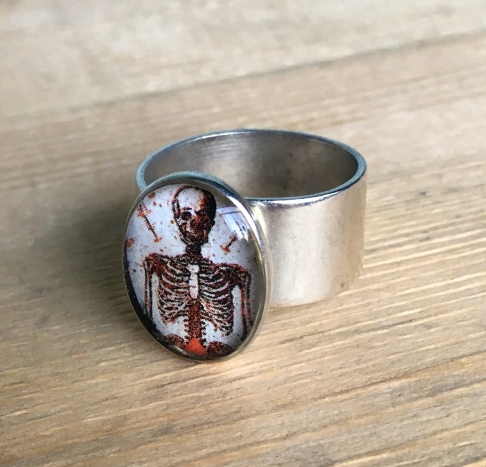 Skeleton Card Ring