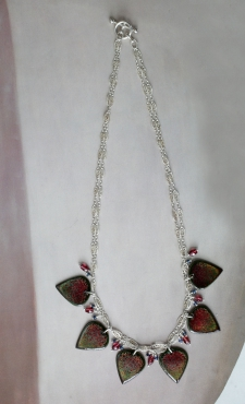 Sapphire and Garnet Leaf Necklace / reversible / Main Image