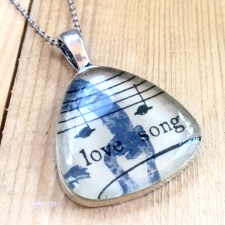 Love Song Necklace / Main Image