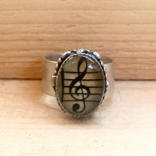 Treble Clef Ring / Main Image