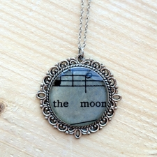 Music of the Moon Necklace / Main Image