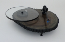 Audiowood Black Barky Turntable / Main Image