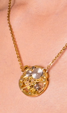 Skeleton Chrono Necklace / gold